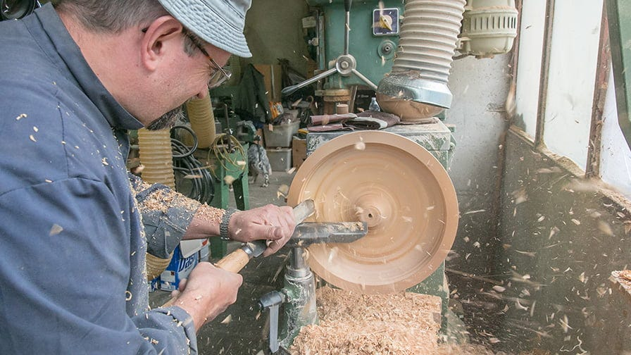 Wooden bowl handcrafting